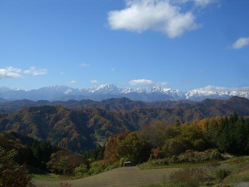 長野県小川村の高山寺から望む北アルプスの景色