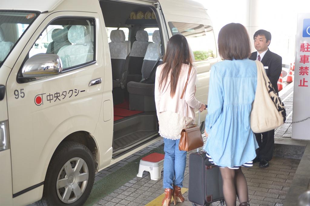 中央タクシーの出迎えの様子
