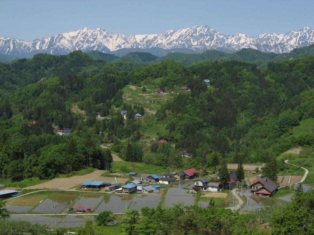 長野県小川村から望む北アルプスの景色