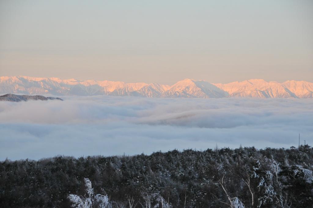 根子岳からみるアルプス景色