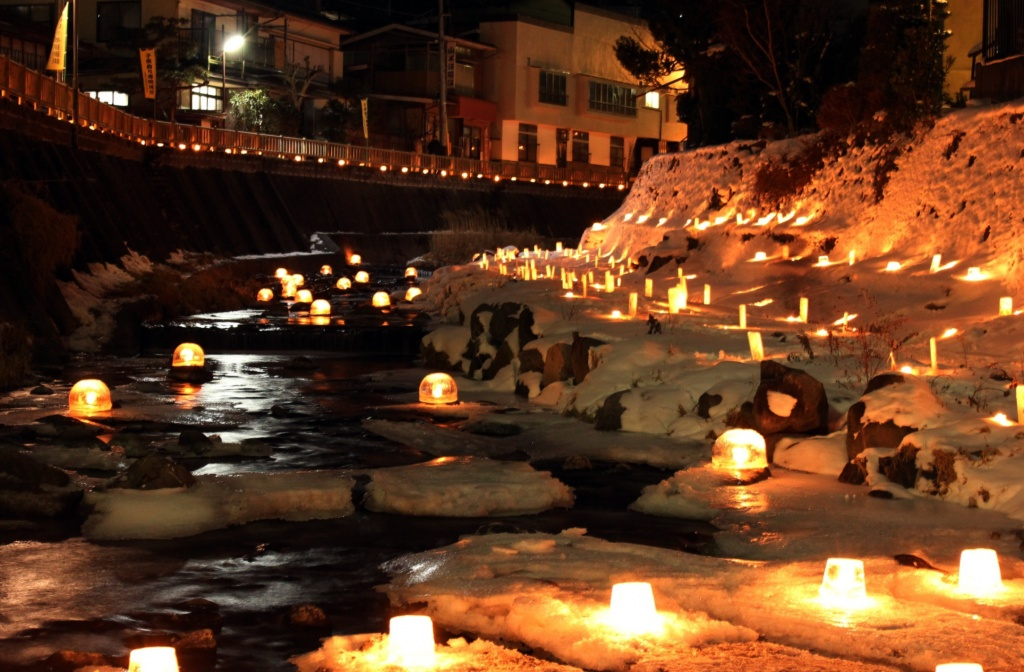 雪灯り1(八沢川)
